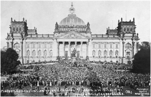 Demonstration against Treaty of Versailles at Reichstag Building, 1919